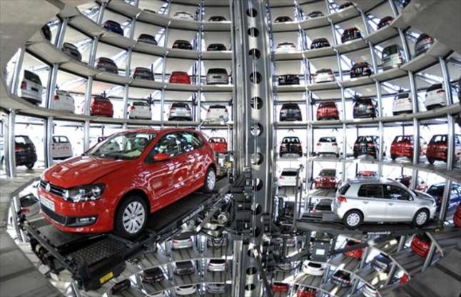 Volkswagen presuntamente manipuló sus vehículos para no sobrepasar límites de emisiones
